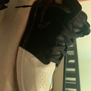 air jordan mid gg